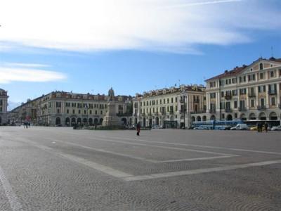 Cuneo_-_Piazza_Galimberti
