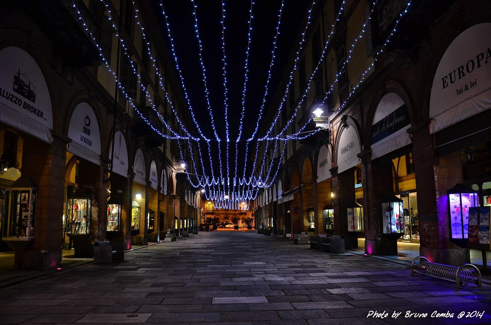 Illuminazione Industriale Da Esterno : Illuminazione Balcone Natale ...