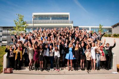 Foto di gruppo per il Parlamento Europeo Giovani