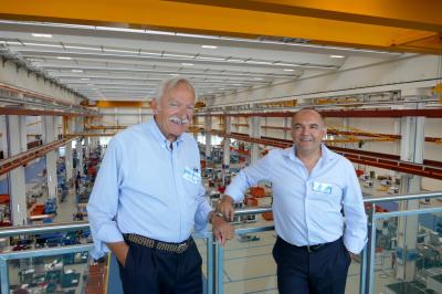Carlo Gai e Massimo Marengo all'interno della Gai Macchine Imbottigliatrici Spa a Ceresole d'Alba